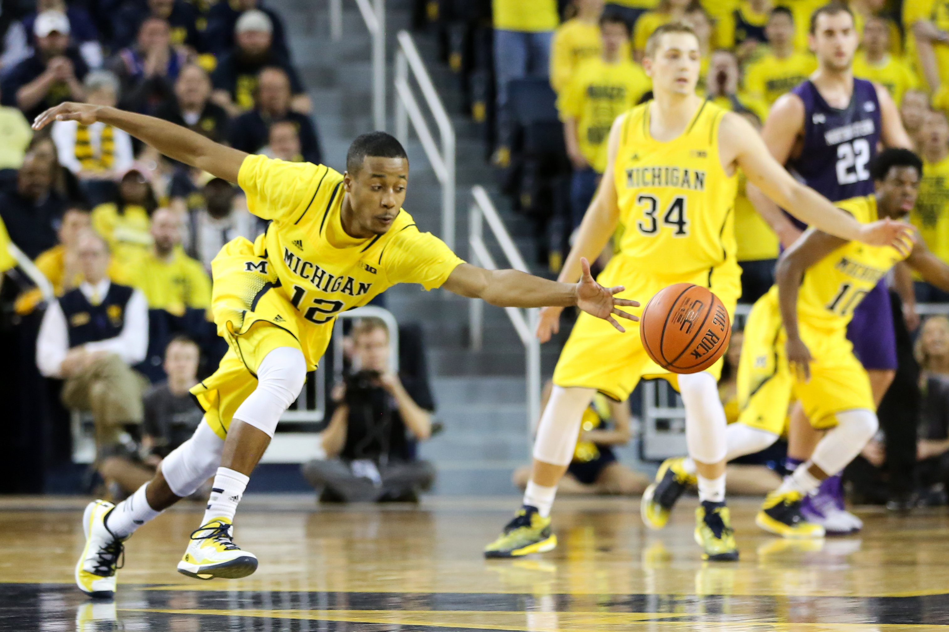 Michigan-56-Northwestern-54-21