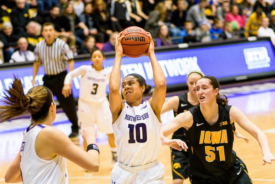 Womens_Basketball_by_Sean_Su_WEB-900x601